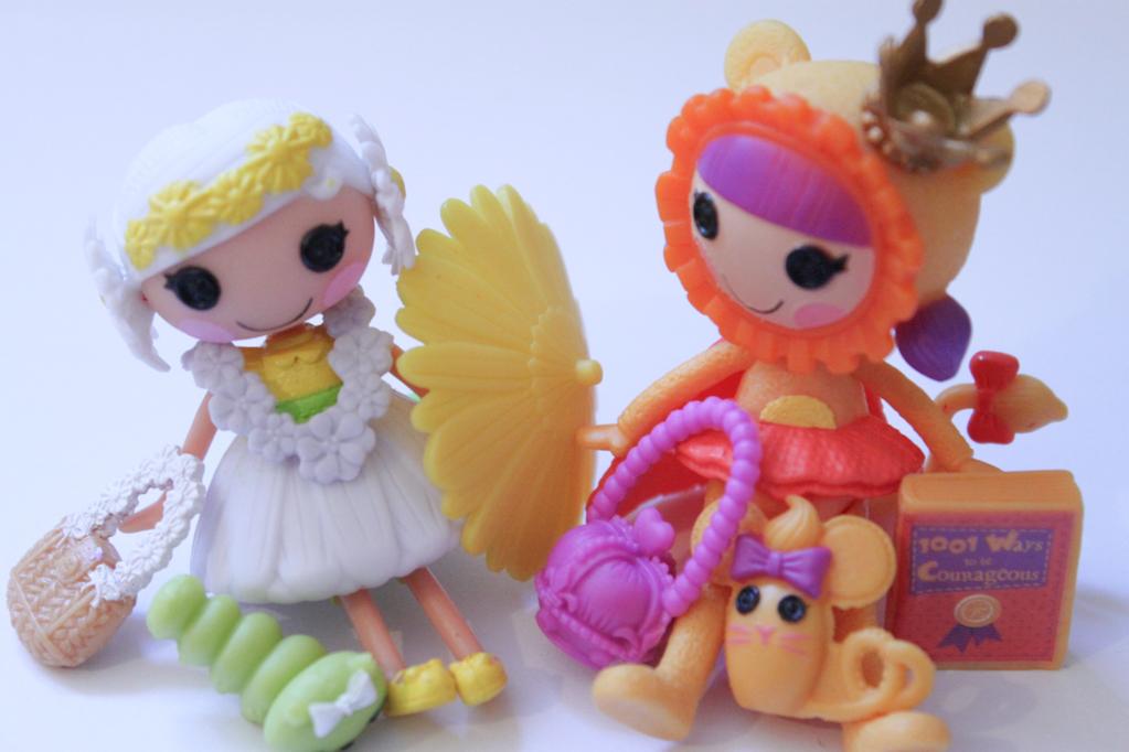 Lalaloopsy Minis: Kitty B. Brave & Happy Daisy Crown